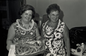 bl000071_Donna-Loomis-and-Friend