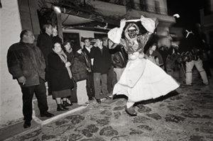 bl000257_dancing