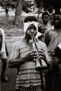 bl000511-Tiv-man-playing-double-gida-zurnas-Tivland-Nigeria-1966-Photo-Charles-Keil