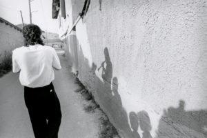 bl000533-Shadows-on-wall