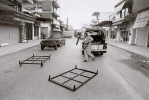 bl000557-Setting-up-for-market-day