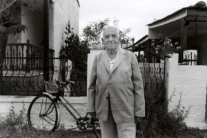 bl000568-Mitsos-Hindzos-with-his-bicycle-1993