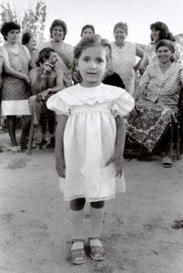 bl000594-Girl-in-white-dress