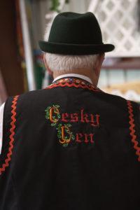 bl000705_cesky-den-outfit