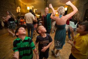 bl000771_lakefront-brewry-kids-dancers