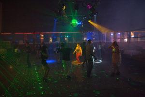 bl000798_dancer-in-orange-light