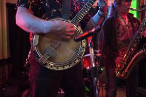 bl000825_banjo